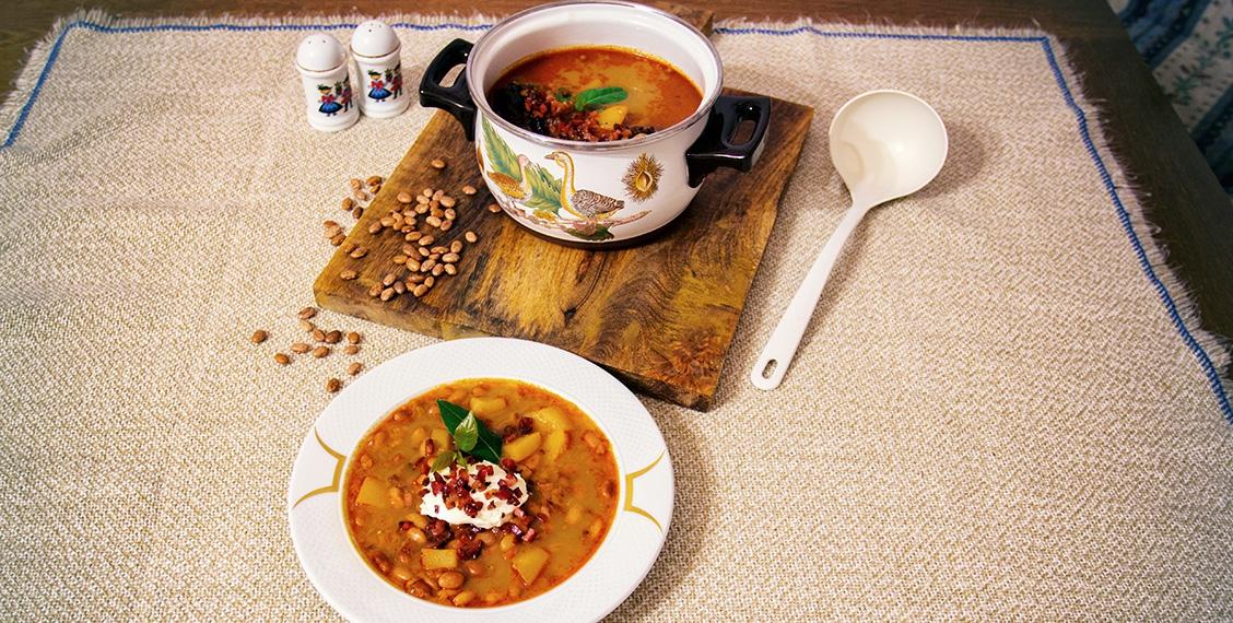 Deftiges Trocken-Bohnen Gulasch